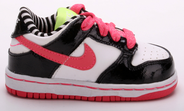 nike kinderschuhe dunk low 39 05 weiss rosa schwarz ebay. Black Bedroom Furniture Sets. Home Design Ideas
